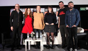 Ezkerretik eskuinera, Zigor Etxebeste, Iratxe Fresneda, Maialen Goñi, Amaia Serrulla, Santi Leoné eta Angel Aldarondo.