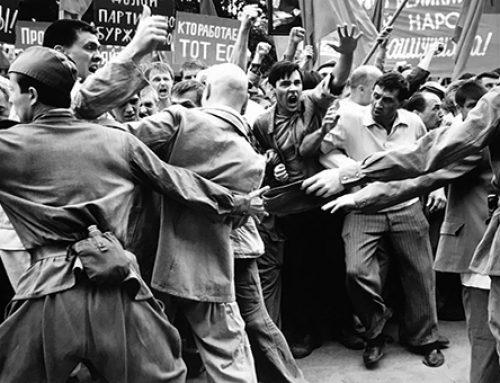 'Dear Comrades!': Klitxez beteta daude totalitarismoak ere